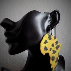 Boucle d'oreille grande carte  afrique  jaune léopard