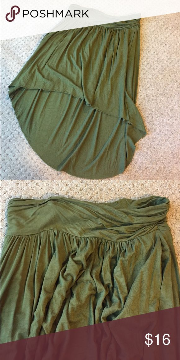 Comfortable J Lo skirt Olive green asymmetrical Jennifer Lopez skirt with elastic waistband and pockets in excellent condition! Jennifer Lopez Skirts Asymmetrical