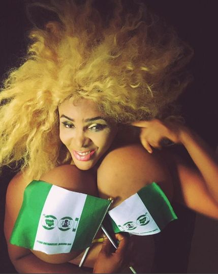 Laurry Jones : Cossy Ojiakor Shares Topless Photos As She Celebrates Nigeria's Independence