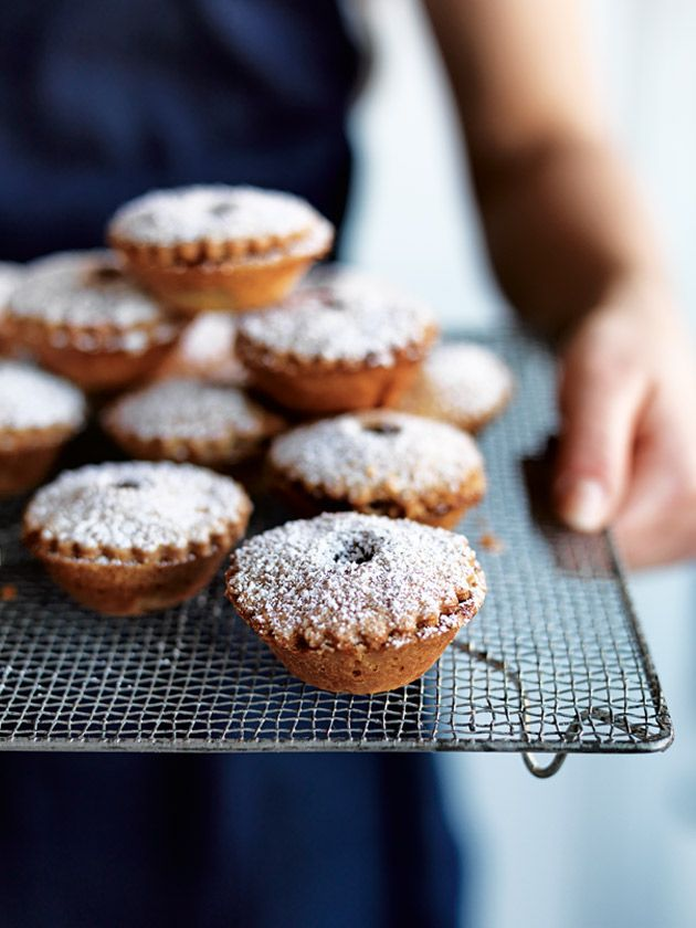 Enjoy one of Donna Hay's favourite Christmas traditions... homemade fruit mince pies
