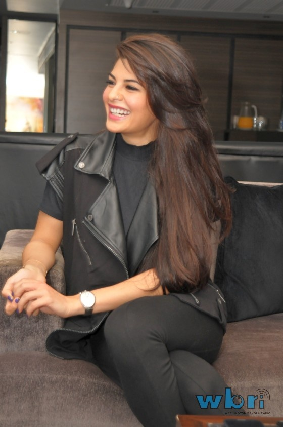 Actress Jacqueline Fernandez who has recently made a special place for herself after being part of some highest grossing hits ( Murder 2, Housefull 2 and Race 2,) was seen at the Pratham charity fundraiser in Mayfair, London.  Read more: http://www.washingtonbanglaradio.com/content/54736213-actress-jacqueline-fernandez-raises-4000-pratham-charity-mayfair-london#ixzz2TMwIgq8V  Via Washington Bangla Radio®  Follow us: @tollywood_CCU on Twitter