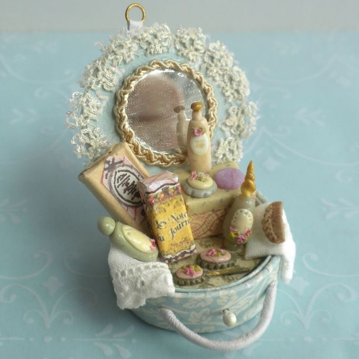 Taller Targioni Blue Suitcase Toiletry Shabby French Cottage Dollhouse Miniature