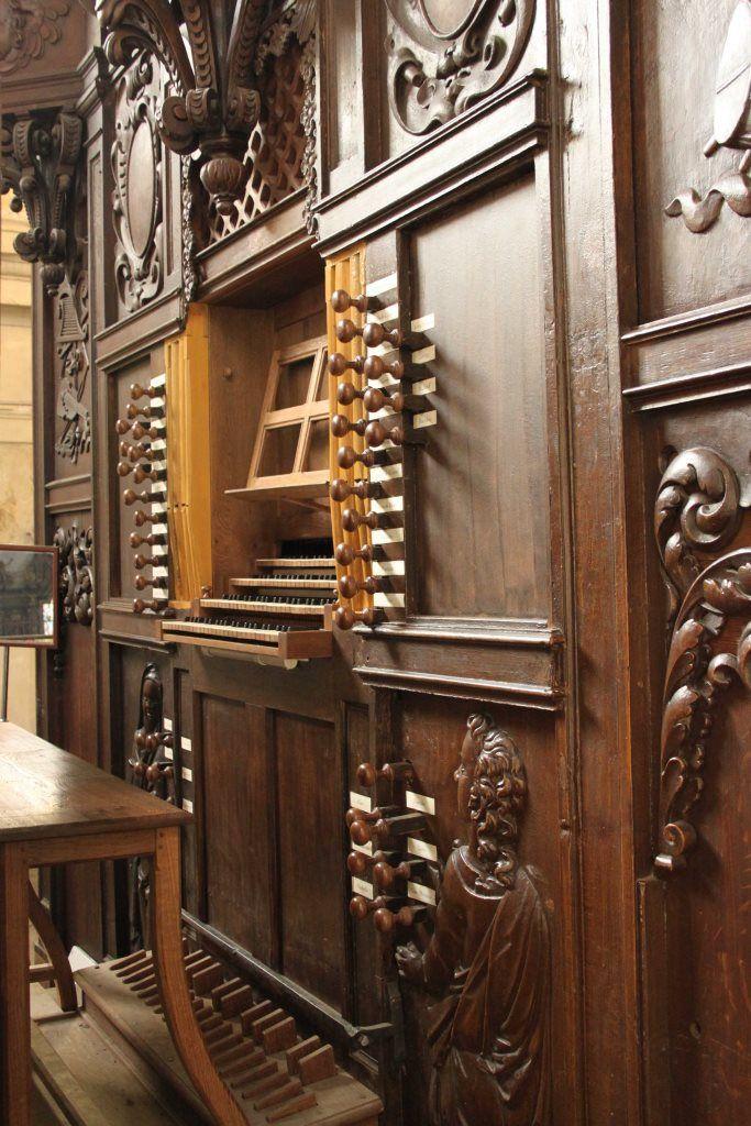 Console of the organ of sainte michel bolbec france for Domon furniture st eustache