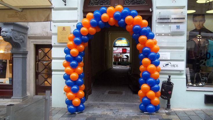 Balónový vchodový oblúk vzor šípka