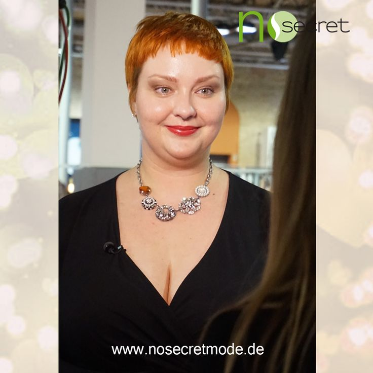 No Secret Mode Styling Expertin Christin Thomsen zusammen mit RTL auf der curvy is sexy Messe 2015— mit Plus Size Model Christin und NoSecret Mode hier: Insel Eiswerder