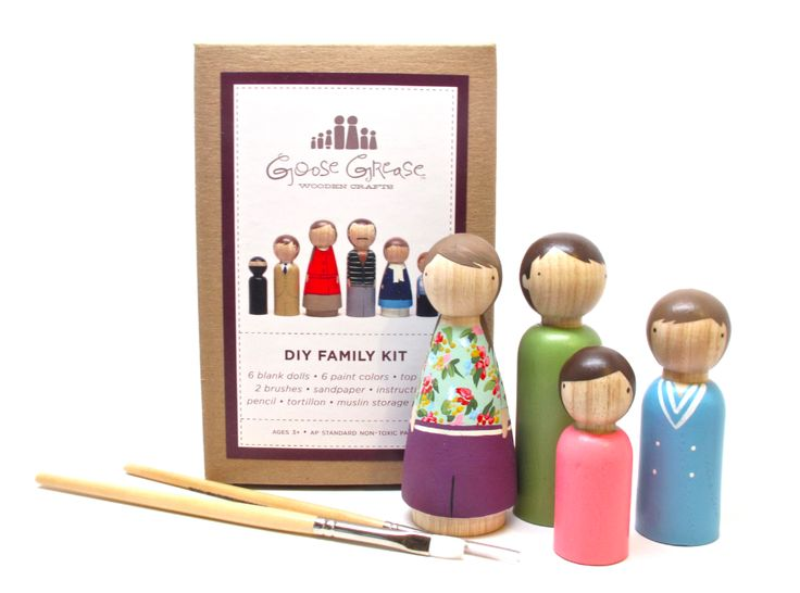 Holiday gift idea: DIY wooden peg doll kit. Love this for crafty kids!
