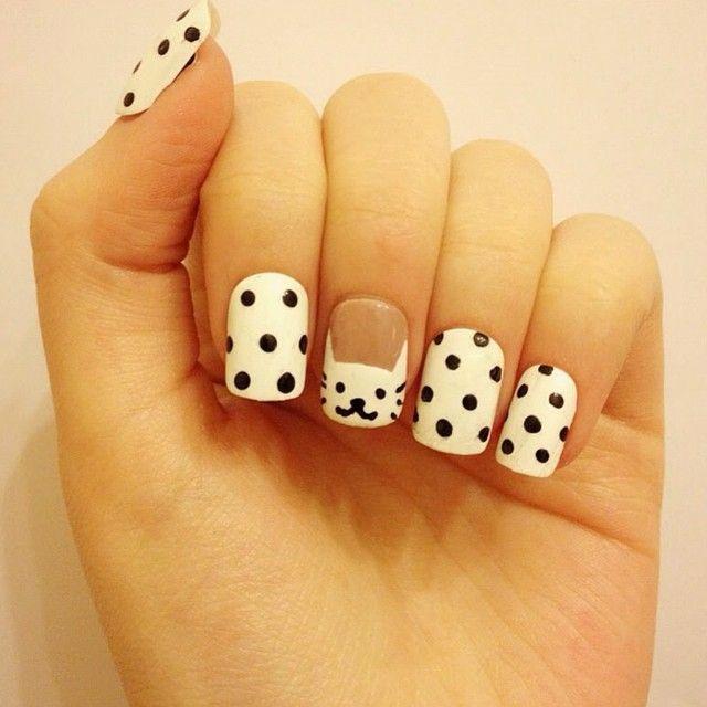 #uñas #diseño #esmalte #puntos #blanco #negro #gato http://decoraciondeunas.com.mx #moda, #fashion, #nails, #like, #uñas, #trend, #style, #nice, #chic, #girls, #nailart, #inspiration, #art, #pretty,...