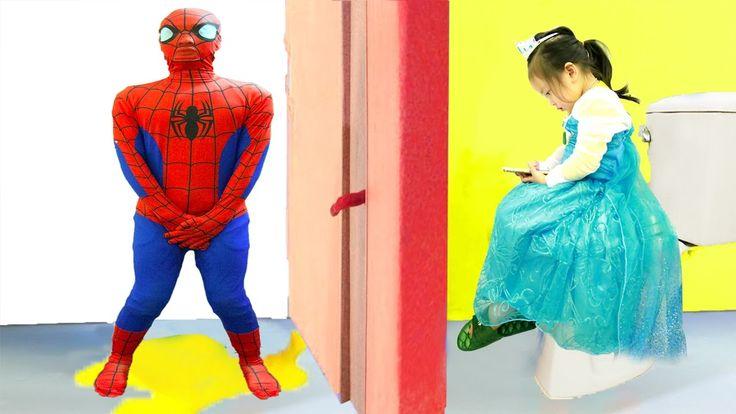 Spiderman Need To Pee vs Frozen Elsa & Elsa Baby w/Disney princess, Supe...