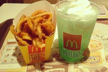 25 McDonald's Items You Can't Get In The U.S. AMERICA. GET ON THIS.!