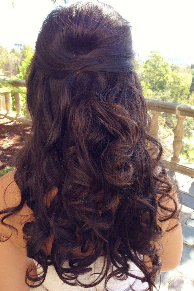 Prom Hairstyles for Long Hair: Pinned Back