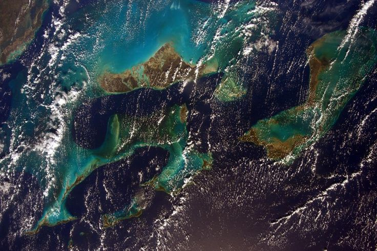 OK, I'm not going back to Earth without sharing one last picture of the Caribbean! #HelloEarth