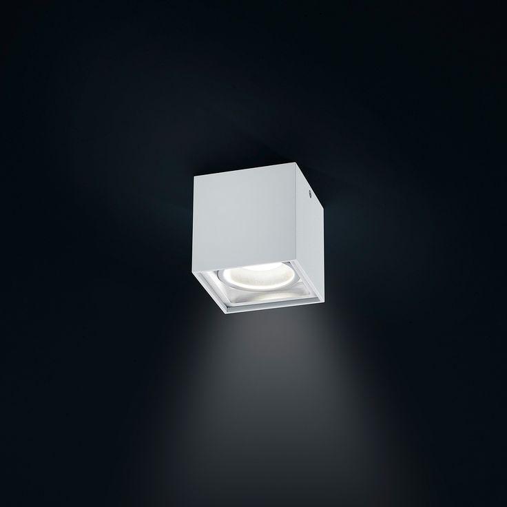Helestra SIRI LED Deckenleuchte mit prismatischer Entblendungsscheibe