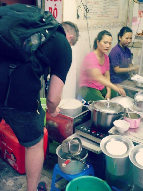 Hanoi, Vietnam  #travel #travels #reizen #reis #backpack #wanderlust #wanderer #globetrotter #globe #world #nature #city #culture #asia #azie #citytrip #hostels #hotel #Hanoi #hoankiem #streetfood #foodtour