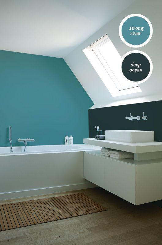 Stijlvol, stoer én kleurrijk. Ook de badkamer maak je persoonlijk met onze kleuren. Wij hebben een vochtregulerende en afwasbare muurverf die daar bij uitstek voor geschikt is.
