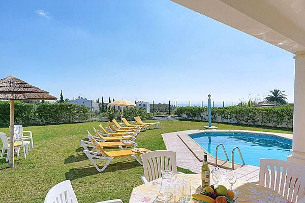 Lovely pool for your holiday in Albufeira, Algarve, Portugal