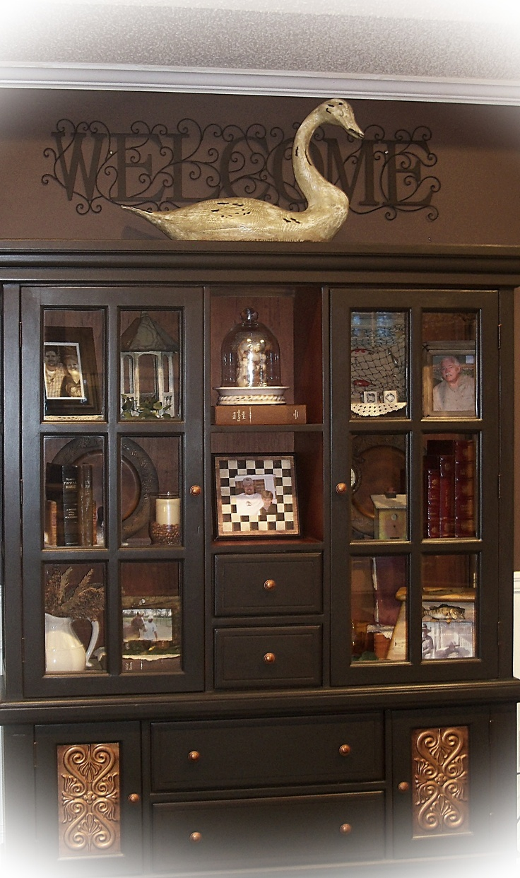 17 best images about hutch decorating on pinterest for Living room hutch