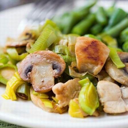 Egy finom Gombás póré ebédre vagy vacsorára? Gombás póré Receptek a Mindmegette.hu Recept gyűjteményében!