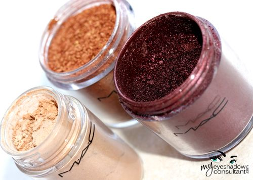 7 Ways to Use MAC Pigments and the difference between pigments and eyeshadows