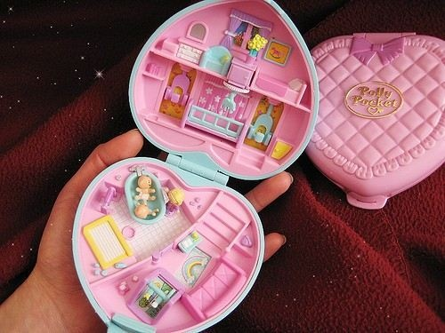 Omg these were my fav growing up! Polly pockets!