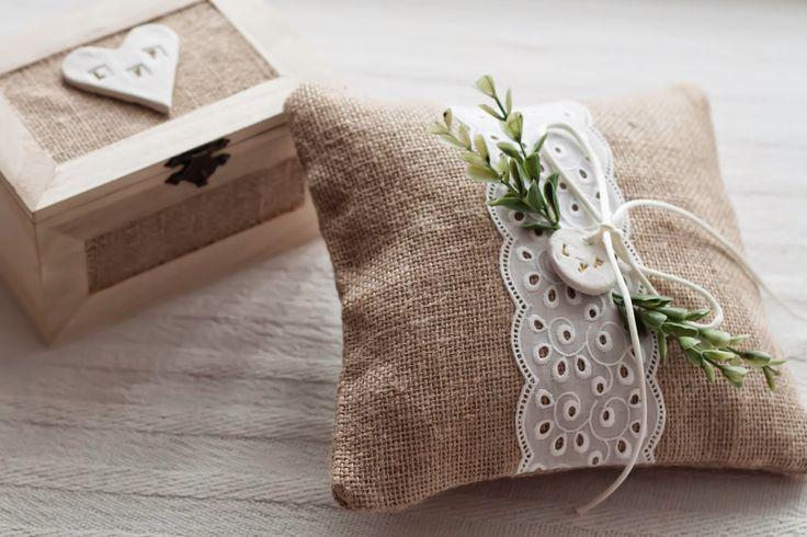Irene se casa: Cojín para las alianzas y caja de arras para la boda de L y F