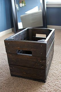 Awesome box made from an old pallet! I love the handles and color!