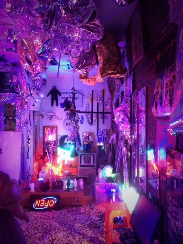 MAY-JAH | Grunge bedroom, Neon room, Diy bedroom decor