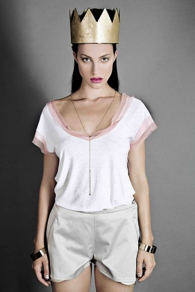 WALKER - sleeveless blouse with rose silk decoration  MUST HAVE - short with pockets