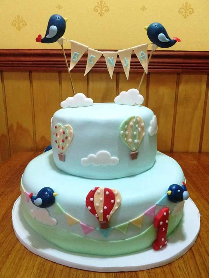 #HappyOneYear #Fondant #cake by Volován Productos #instacake #puq #Chile #VolovanProductos #Cakes #Cakestagram #SweetCake
