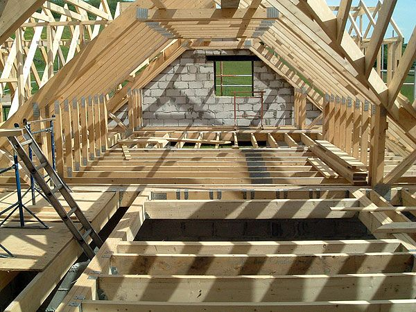 101 best loft framing images on pinterest attic spaces for Truss lofts