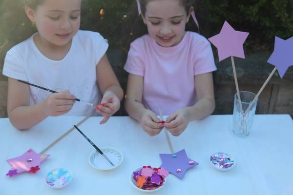 Fairy Wand Making! Give a wand to each child to decorate with glitter and gems. Fin full instructions at www.kidspartyguide.com.au