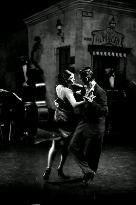 Tango, Slow Dancing
