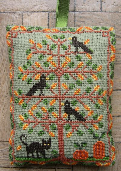 42 best corbeau images on pinterest cross stitch patterns counted gazette94 le chat et les corbeaux needlepoint patternsstitching patternscross fandeluxe Gallery