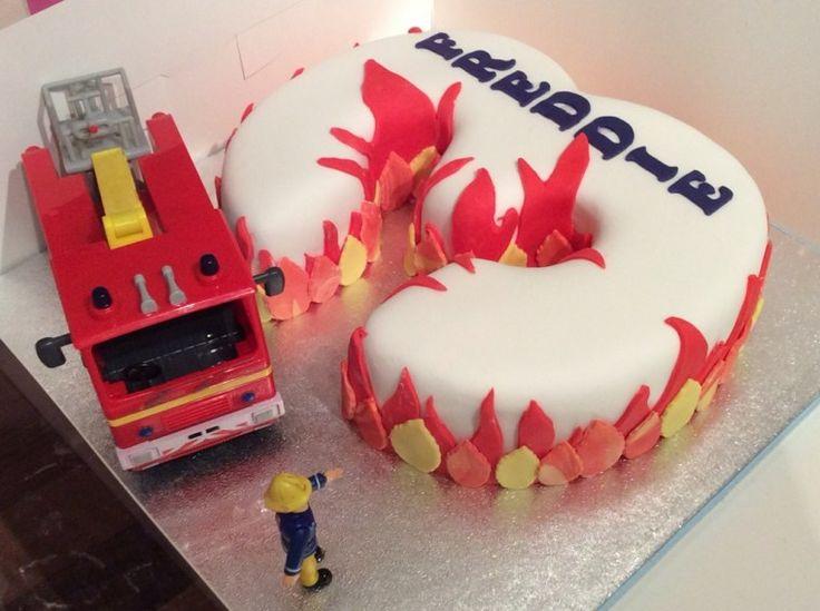 Geburtstagstorte Sam der Feuerwehrmann sehr originelle Form drei Feuer gefangen   – Kuchen