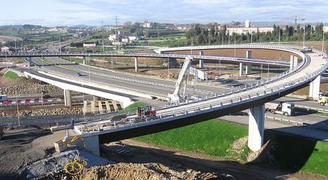 El Gobierno baraja cobrar 'peajes blandos' en las autovías