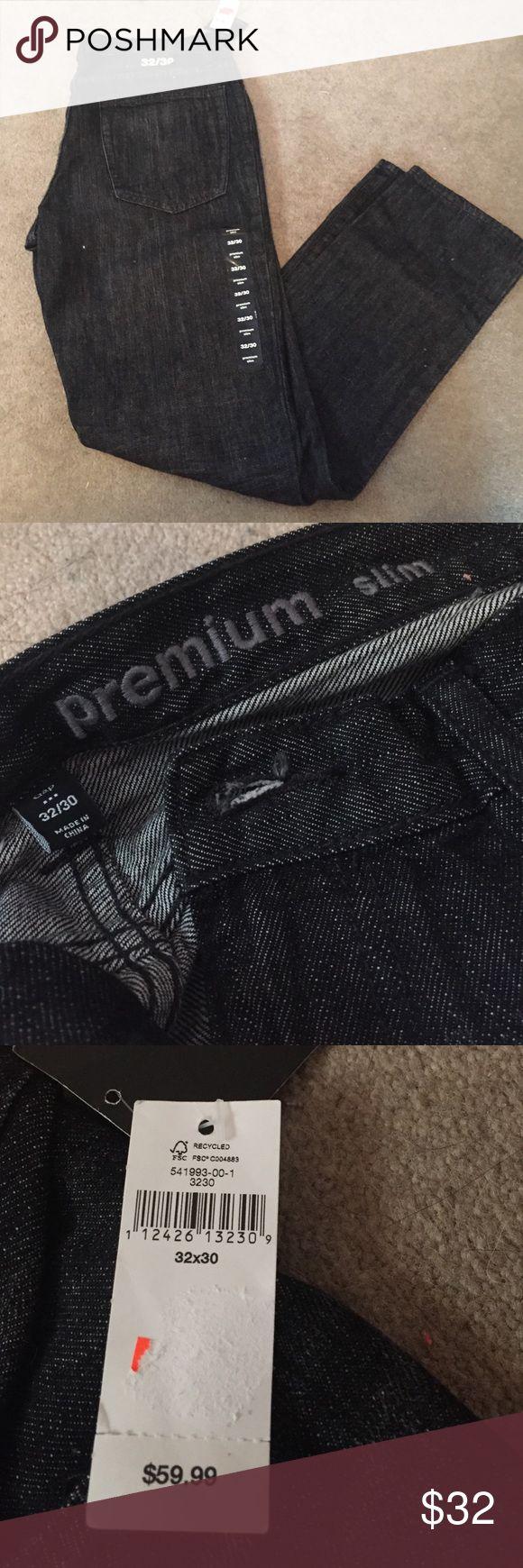 Gap MENS slim jeans - 32x30 Gap men's premium slim dark wash jeans (Dark blue, not black). Size 32x30 and never been worn. GAP Jeans Slim