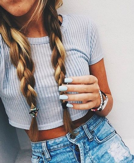 casual summer outfit (hair included)- Grey crop top, blue denim high waist shorts