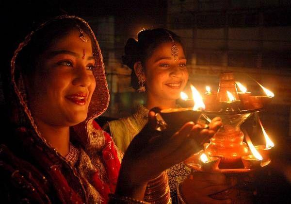 Festival delle luci in India, uno dei riti più suggestivi che celebra la vittoria del bene sul male