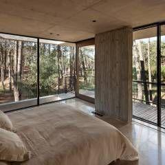 Casa Marino: Dormitorios de estilo Moderno por ATV Arquitectos