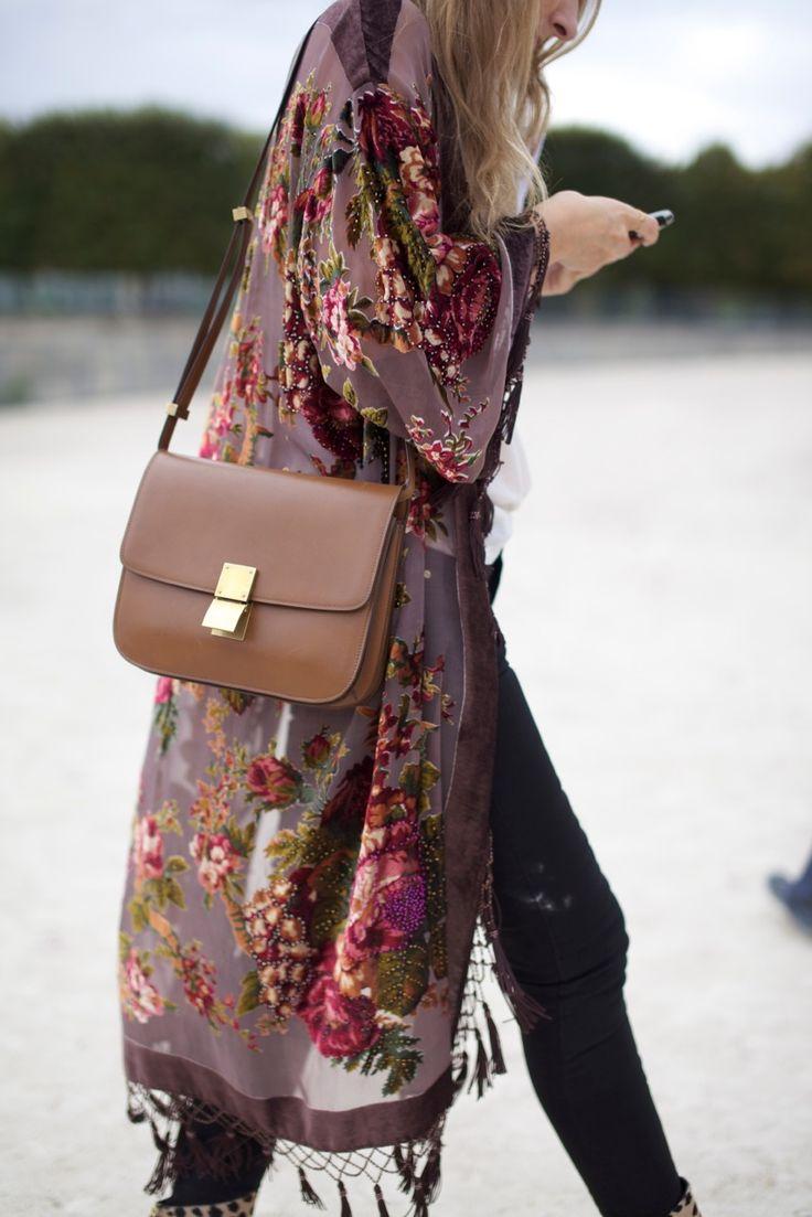 Chiffon floral kimono caftan & Céline Classic Medium bag #StreetStyle #Paris