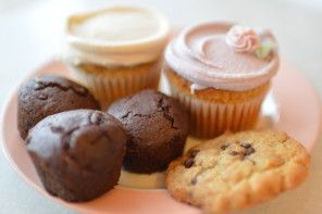 Erin McKenna's Vegan & Gluten-Free Bakery at Disney Springs.  We have to try this!