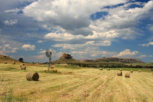 orange free state landscapes | The village of Clarens is situated in the foothills of the Maluti ...