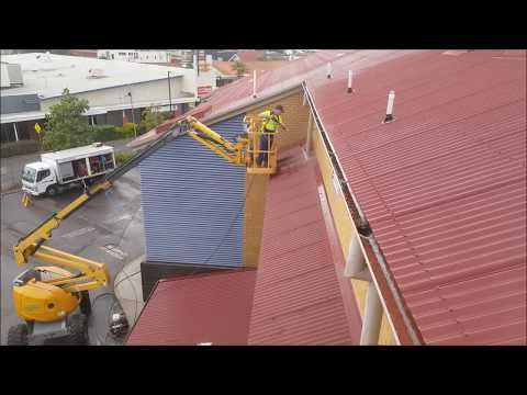 Pressure cleaning from an EWP (cherry picker)