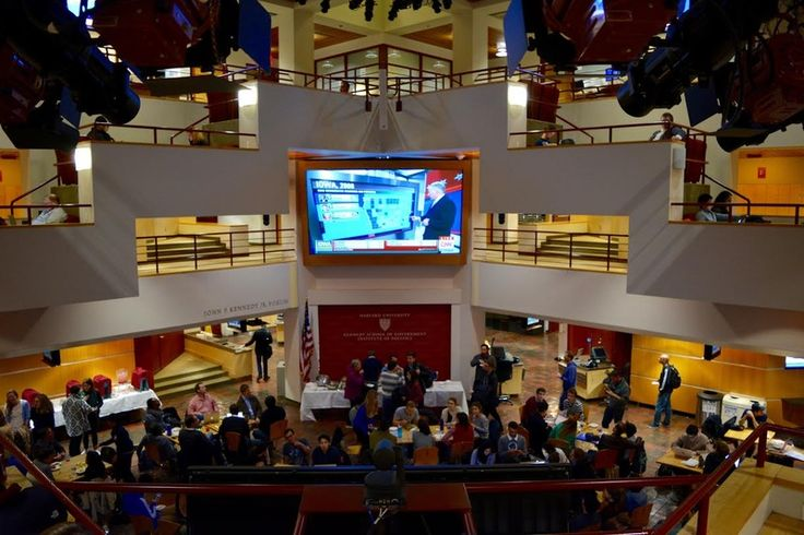 Students Gather at IOP to Watch Iowa Caucus Results #DonaldTrump...: Students Gather at IOP to Watch Iowa Caucus Results… #DonaldTrump