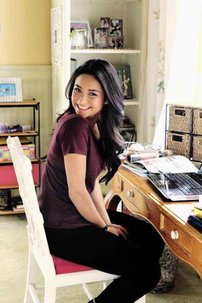 The lovely side hanna s room pretty little liars decor - 107 Best Images About Pll The Athlet The Bookworm The