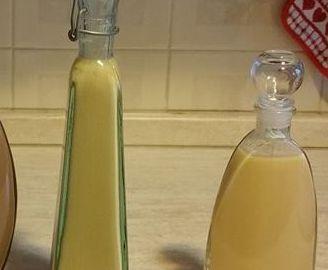 Liquore VOV Bimby - Ricette Bimby 5 tuorli di uova fresche 300 gr di zucchero 400 gr di latte intero 200 gr di marsale 150 gr di alcol a 95° per liquori 1 bustina di vanillina