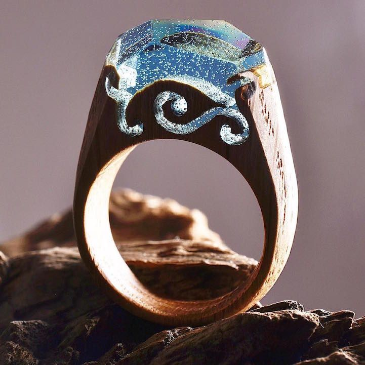 Ethereal Rings Reveal Tiny Landscapes That Encapsulate The Beauty - Inside each of these wooden rings is a beautiful hidden world