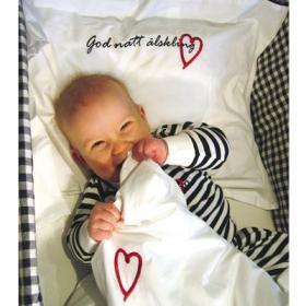 Gosigt påslakanset Godnatt Älskling till bebisen från Lundmyr of Sweden.