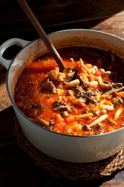 この画像は「牛すじって煮込みしかないの?牛すじで作る新鮮でおいしいレシピ28選」のまとめの1枚目の画像です。
