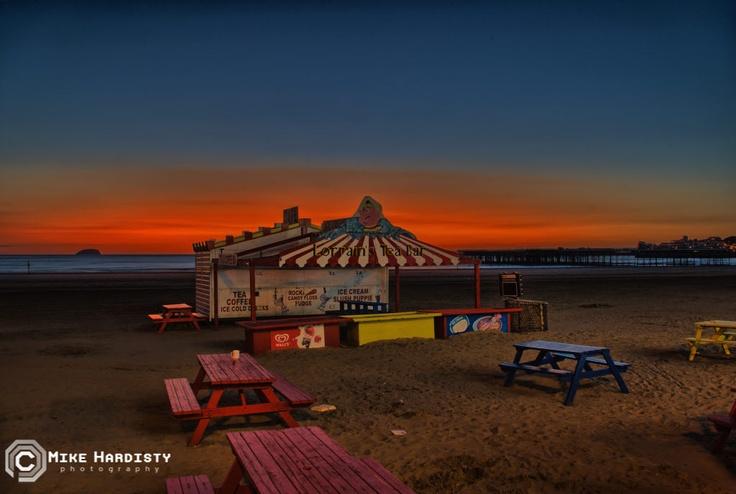 Lorrain's Tea Bar on the beach at Weston-super-Mare