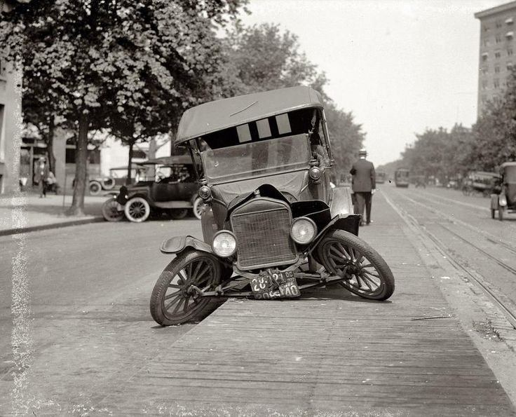 old car crash 3